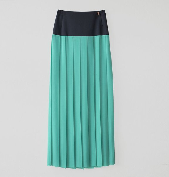 This is Lily long plisse skirt navy blue & turquoise