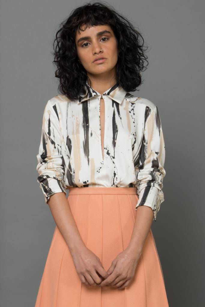 blouse with opening paintprint
