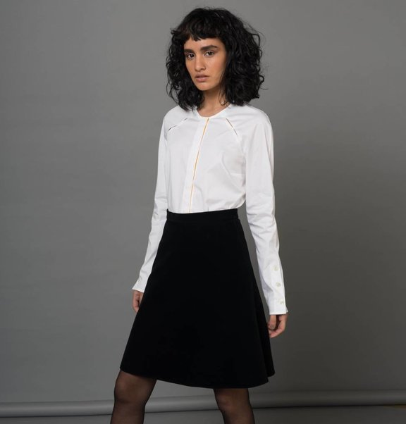 white blouse buttons