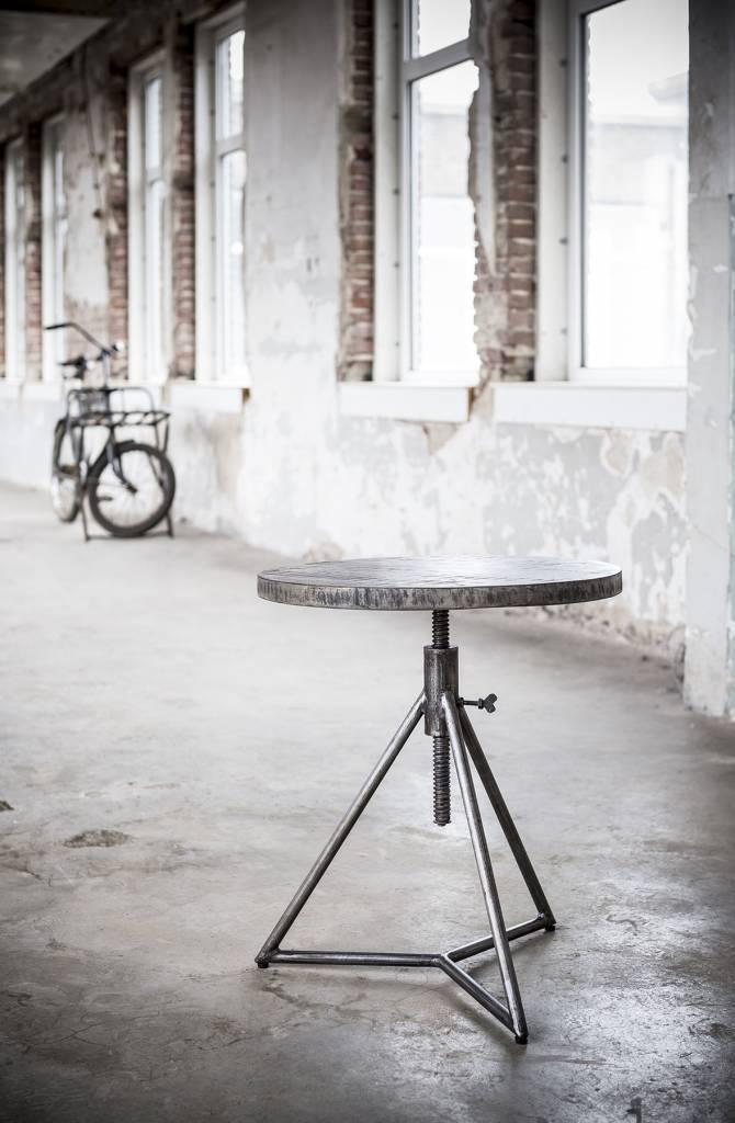 Duverger Ruf Grey Industry - Bijzettafel - mangohout-  rond - dia 50 cm - metalen 3-potig onderstel