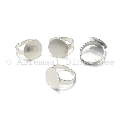 Ring met plakvlakje van 16mm zilverkleurig verstelbaar (4 st)
