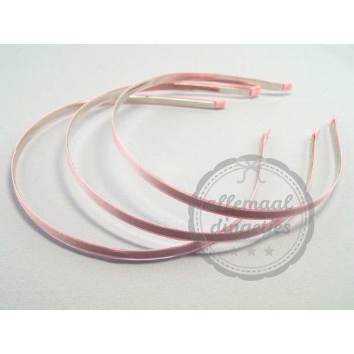 Diadeem haarband metaal satijn 6mm lichtroze (per stuk)