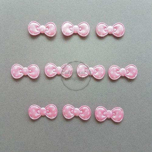 Strikjes applicaties satijn stippen roze 11x22mm (10 stuks)