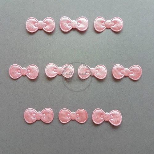Strikjes applicaties satijn roze 11x22mm (10 stuks)