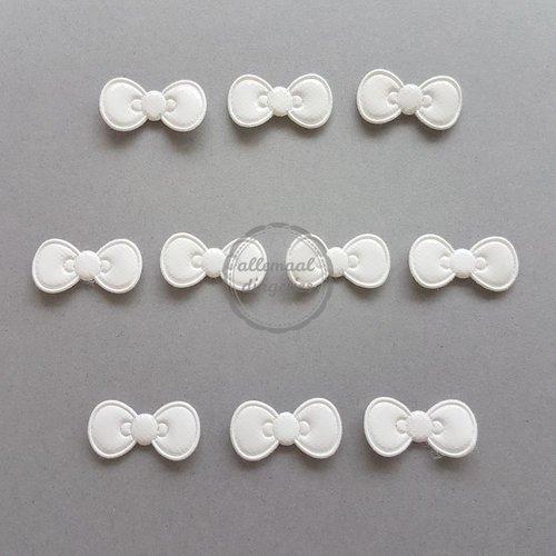Strikjes applicaties vinyl gebroken wit 11x22mm (10 stuks)
