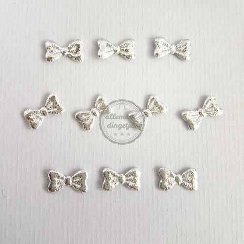 Strikjes applicaties zilver glans 8x15mm (10 stuks)