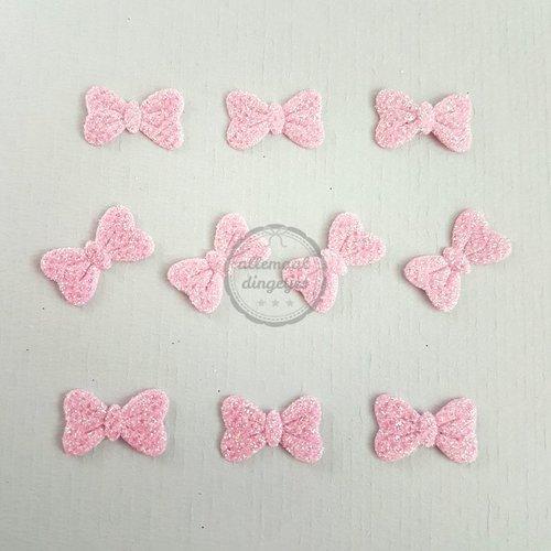 Strikjes applicaties glitter roze 11x14mm (10 stuks)