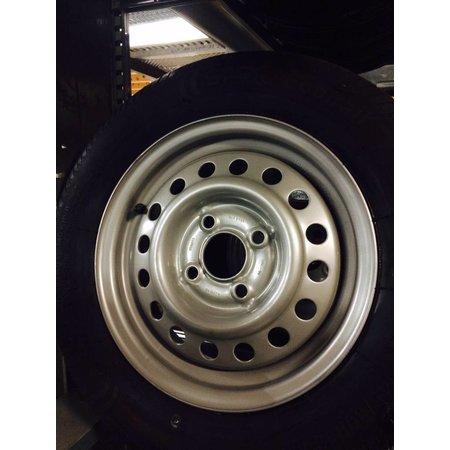 Kargotrail Compleet wiel 145R13 band + velg (steek 4x100, naafgat 57) 387kg Naafdiameter 57 mm