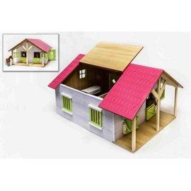 Kids Globe KG610168 - Paardenstal hout met 2 boxen en berging (1:24)
