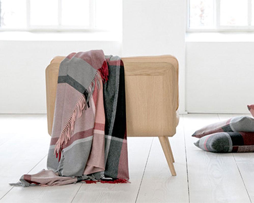 Order Scandinavian interior products and Scandinavian fashion at Nordiklivingstore. banner 1
