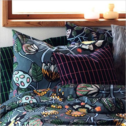 https://static.webshopapp.com/shops/038579/files/180507821/432x432x2/scandinavische-kussens-slaapkamer.jpg
