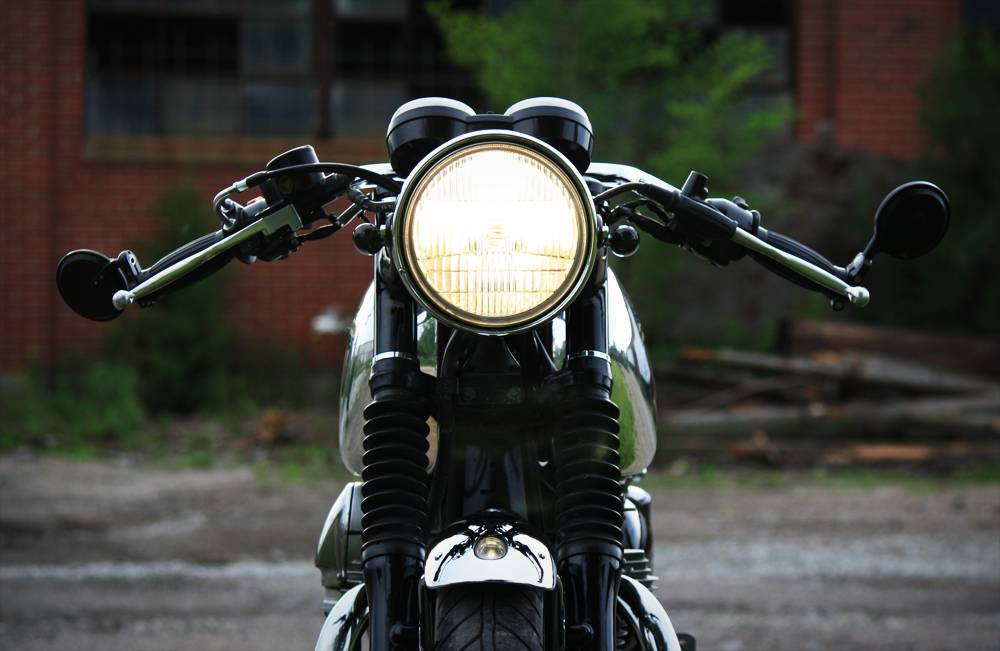 "7"" Black and Chrome Cafe Racer Headlight Universal ..."