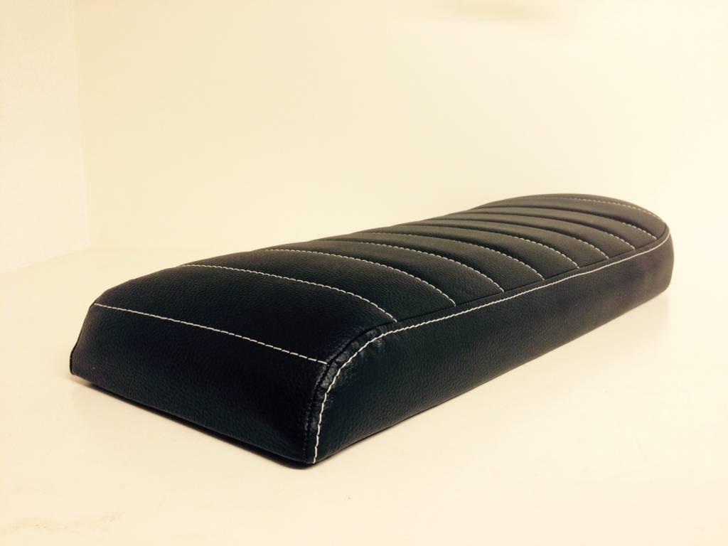 Brat seat tuck n roll black long type 28 caferacerwebshop com