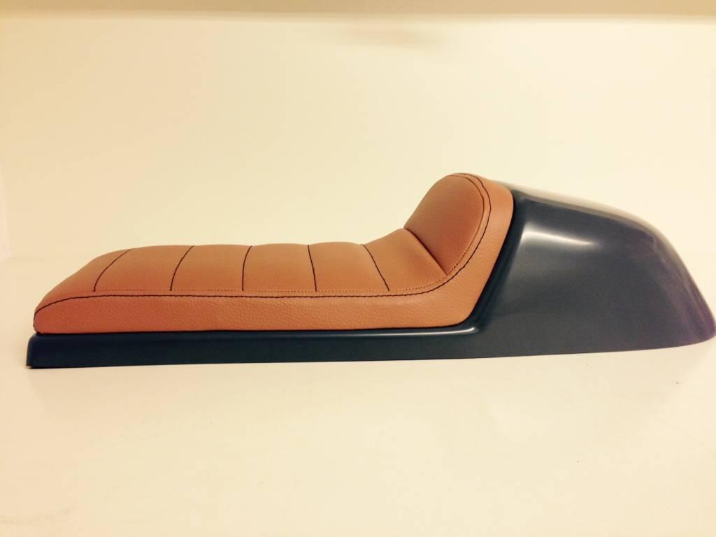 cafe racer seat tuck n 39 roll stitch brown type 32. Black Bedroom Furniture Sets. Home Design Ideas