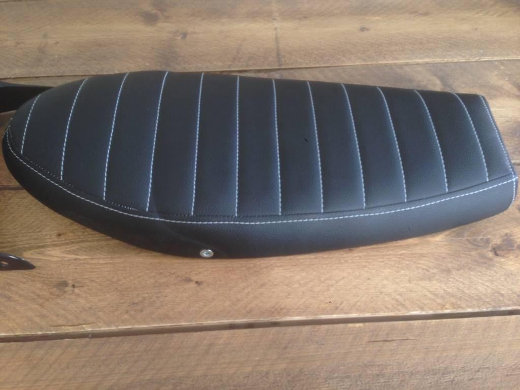 Sr seat tuck n roll black 74 caferacerwebshop com