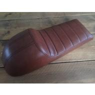 Cafe Racer Sitzbank Tuck 'N Roll Stitch Chocolat Type 76