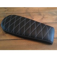 Diamond Brat Seat Black Wide 72