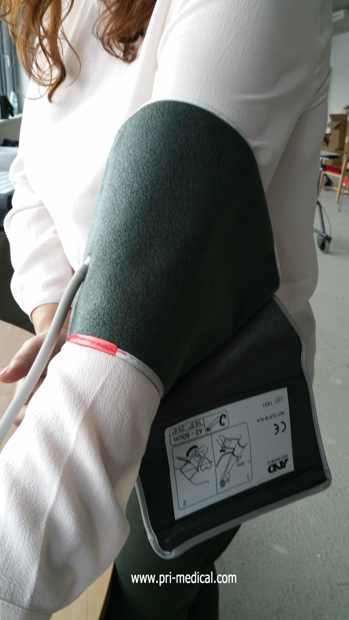 XXL Blutdruckmessgerät für adipöse Menschen mit konischer Manschette für einen Armumfang von 42-60cm