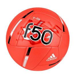 Adidas F50 X-Ite fel oranje met zwart en wit voetbal