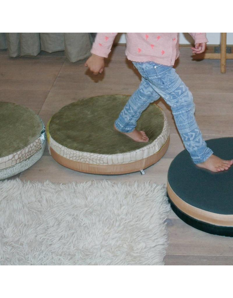 Bisou de Lou | Round Cushion