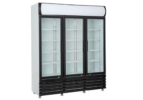 HorecaTraders Wandkoelvitrine met 3 glazen deuren | 160 cm | 1065 Liter