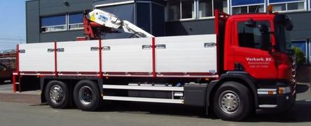 Vrachtwagen levering bouwmateriaal
