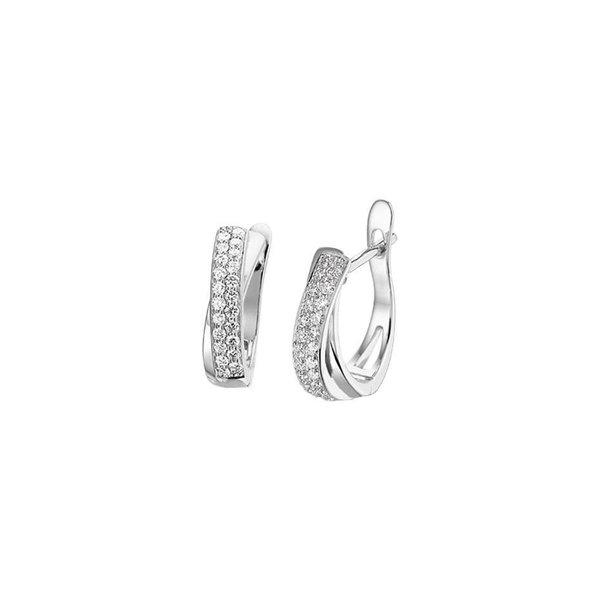 Diamant: 0,33 crt. Zuiverheid: S12 Hoogte: 15,5 mm. Breedte: 4mm.