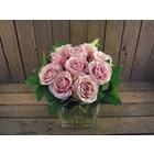 Boeket 10 grootbloemige roze rozen € 24,50