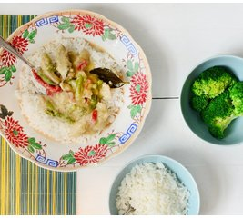 Thaise kip in groene currysaus