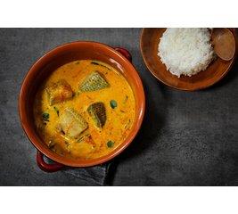 Maleisische viscurry met witte rijst