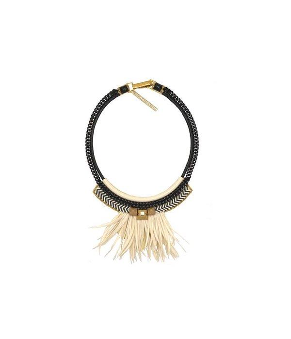 FIONA PAXTON Fiona Paxton collier Elsa Crème ph001 de plumes noires et blanches