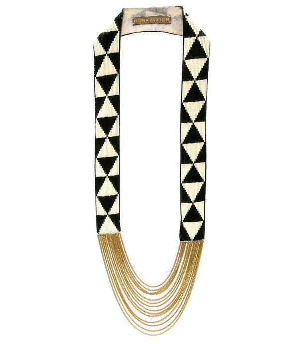 FIONA PAXTON Fiona Paxton collier Louise Black SSP101 en perles blanches et noires sur le coton