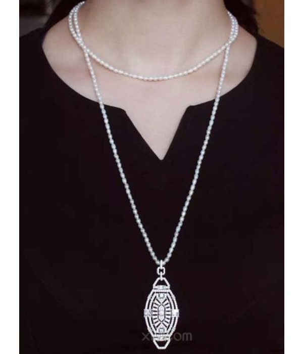"""APM MONACO AP9544OX """"1930"""" Collection necklace in silver with crystal and pearl necklace"""