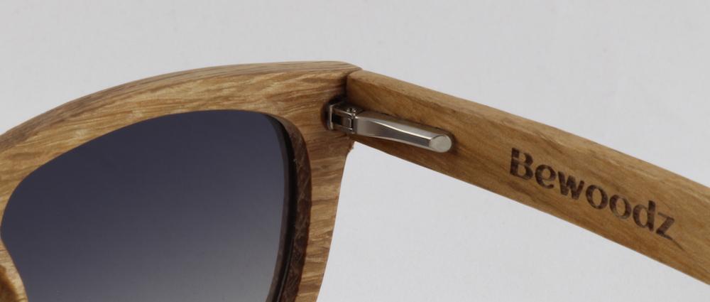 Sonnenbrille aus Holz mit flexiblem Federscharnier