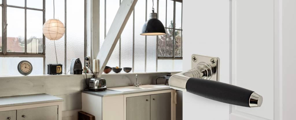 b quille ton base de nickel bois d 39 b ne avec rosette carr e deurklinkenshop. Black Bedroom Furniture Sets. Home Design Ideas