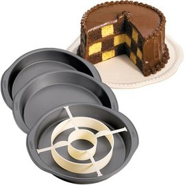 Wilton Wilton Checkerboard Cake Pan Set