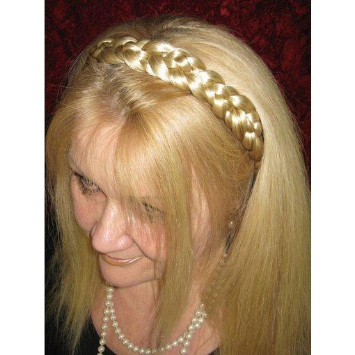 Baroness Haarkrone, geflochten