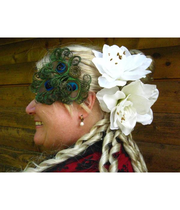 Steampunk PeacockFeather Headpiece - antique brass flower