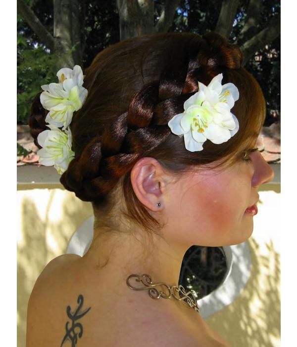 Weiße Bollywood Haarblüten