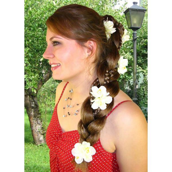 Weiße Bollywood Blüten