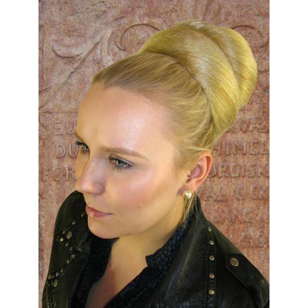 Diva Hair Bun crimped hair
