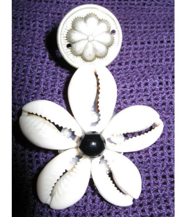 2 Cowry Hair & Belt Clips, black antique