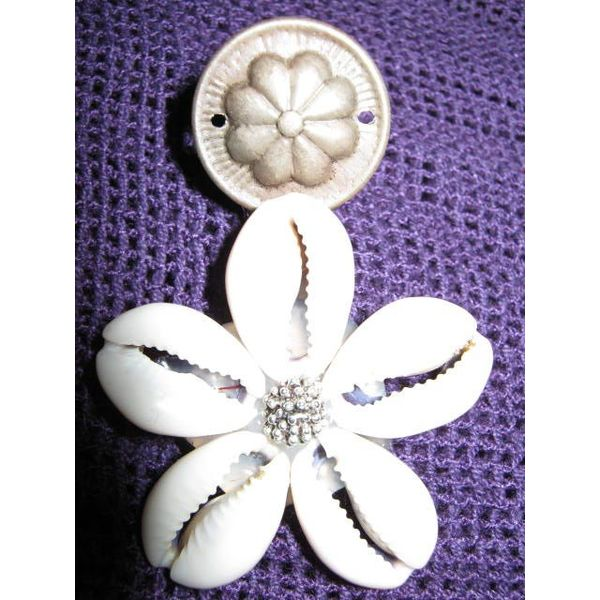 2 Cowry Tribal Hair & Belt Clips silver