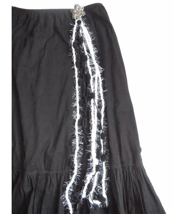 Yarn Tassel Falls Morticia Gothic
