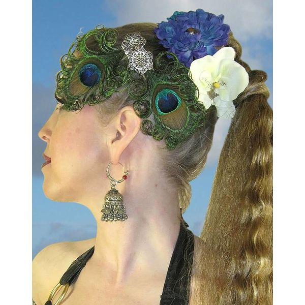 Pfauenfeder Fascinator Silberblume