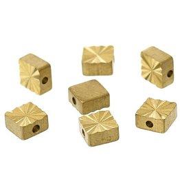 Platte vierkante kraal met facetlaag (6x)