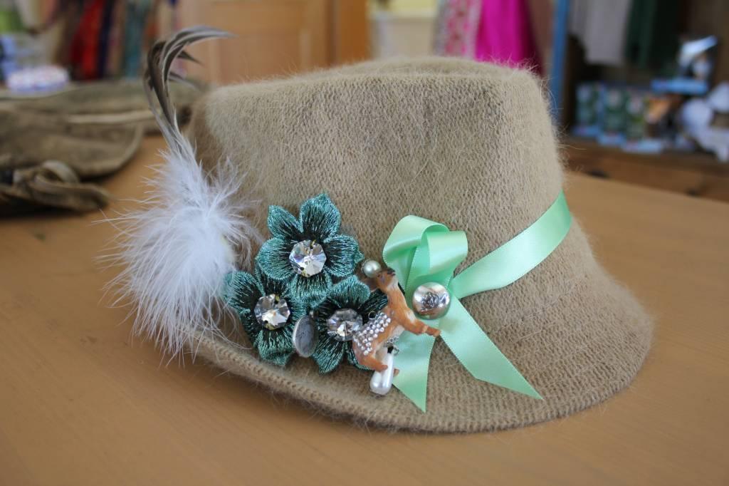 Astrid Soll Dirndl Couture Hut Grun Trachtine