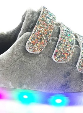 Shoes with light gray
