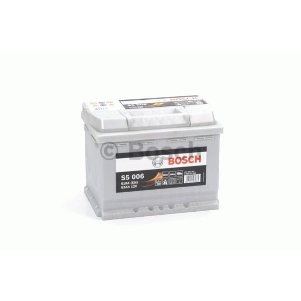Auto accu 12 volt 63 ah Type S5 006 + links