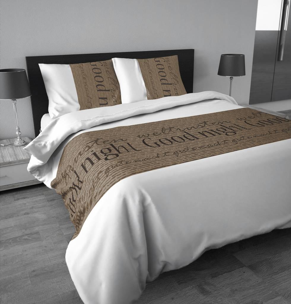 """Slaapkamer Wit Beige : Sleeptime Dekbedovertrek Wit met tekst """"Goodnight"""" in Bruin/ Beige"""